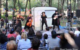 """""""El Funeral"""" / Che y Moche y su Orquesta Zingarozana (Aragón)"""