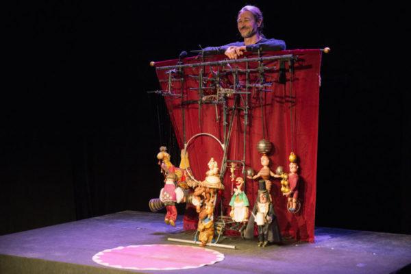 viktor-antonov-marionetas-3