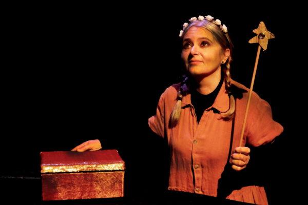 01-Teatro-Los-Claveles-Hermosinda
