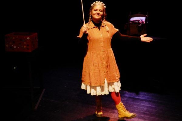 04-Teatro-Los-Claveles-Hermosinda