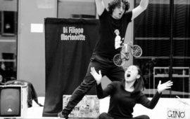 """""""Colgando de un hilo""""/ Di Filippo Marionette (Italia-Australia)"""